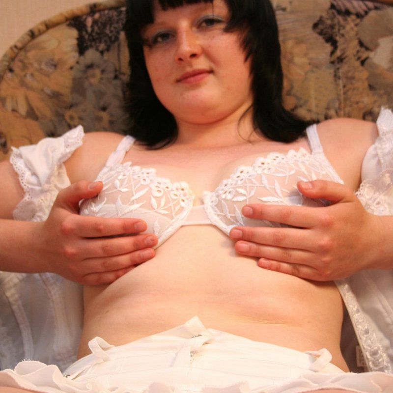 Chat coquin salopes Winnie Tulle