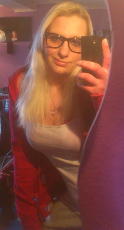 Chat coquin salopes Virgee Croix