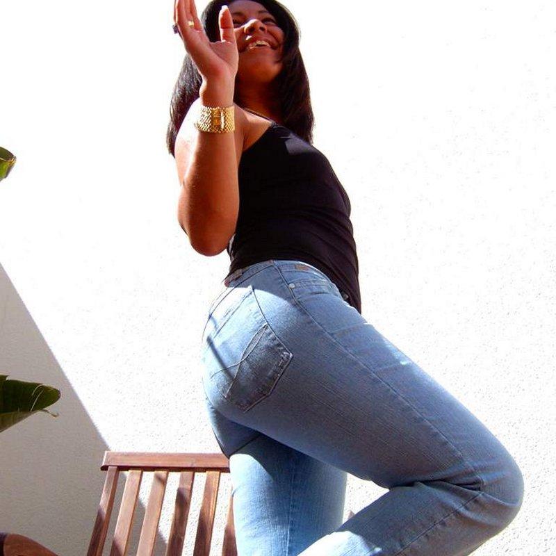 Chat coquin salopes Lorinda Hendaye